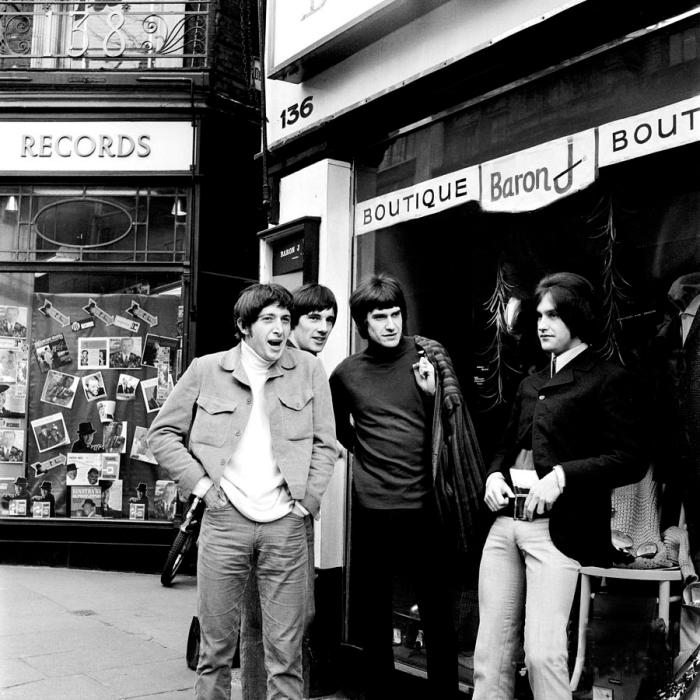 the-kinks-1966-carnaby-street-chris-walter.jpg