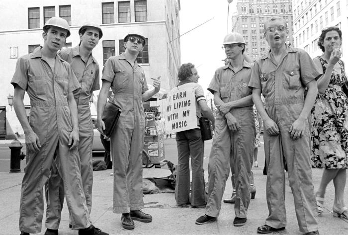 devo-new-york-city-1977-ebet-roberts-b.jpg