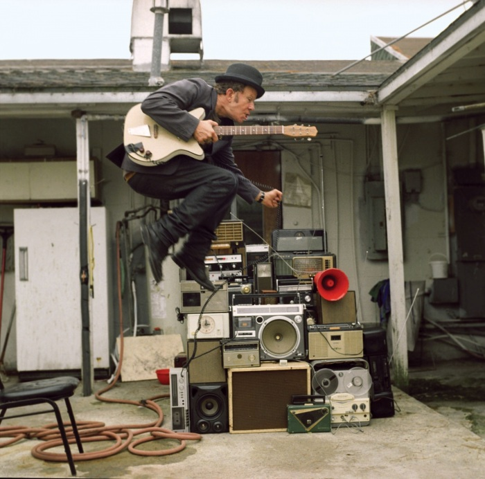 tom-waits-jump-stack-music-1753342498.jpg