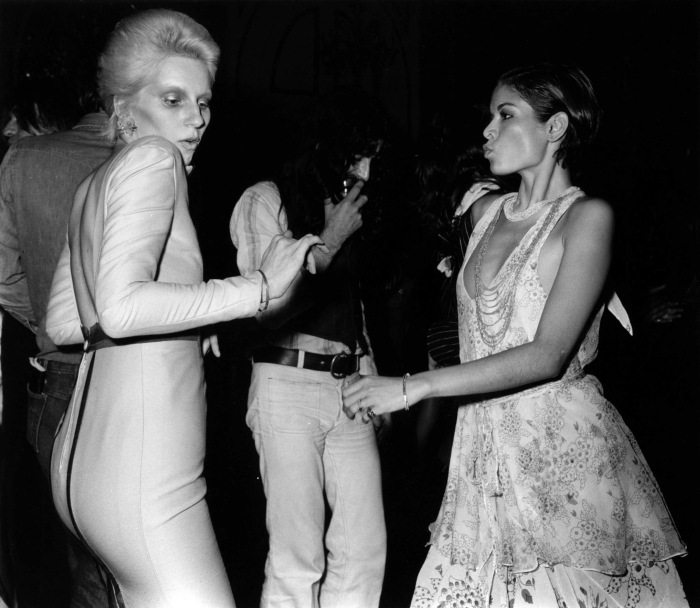 with-angie-bowie-at-the-ziggy-stardust-retirement-party-1973-john-rodgersredferns.jpg