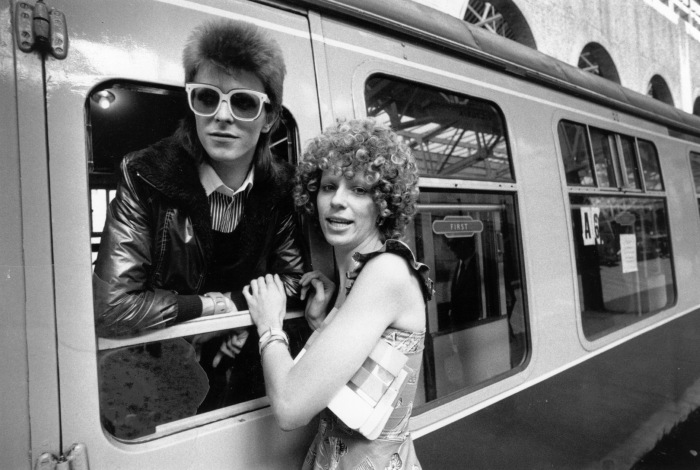 david-bowie-is-seen-off-at-the-station-by-his-wife-angie-photo-by-smithexpressgetty-images.jpg